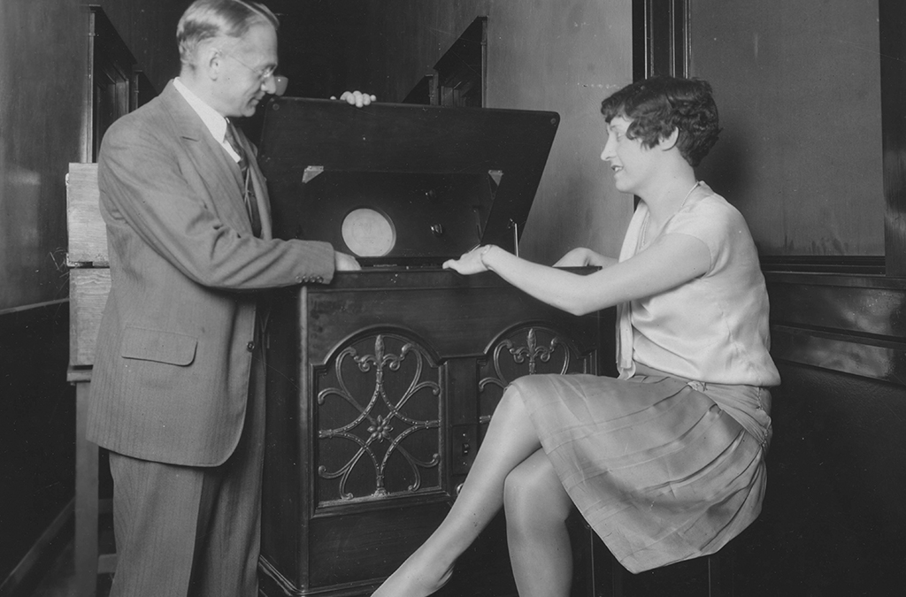 Vladimir Zworykin, a Westinghouse research engineer, demonstrates a cathode ray television set in 1934.