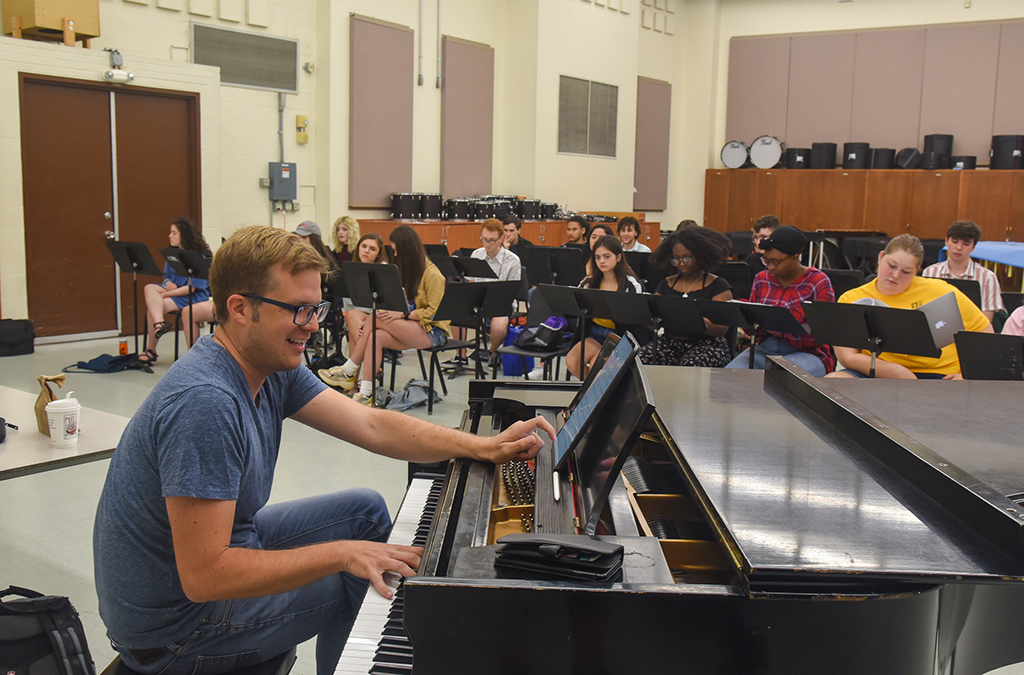 Students work on Dreamland, a new commissioned musical by Nathan Tysen and Chris Miller.