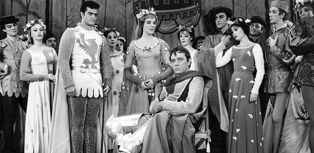 Photo of Robert Goulet, Julie Andrews, Richard Burton, and original Broadway cast.