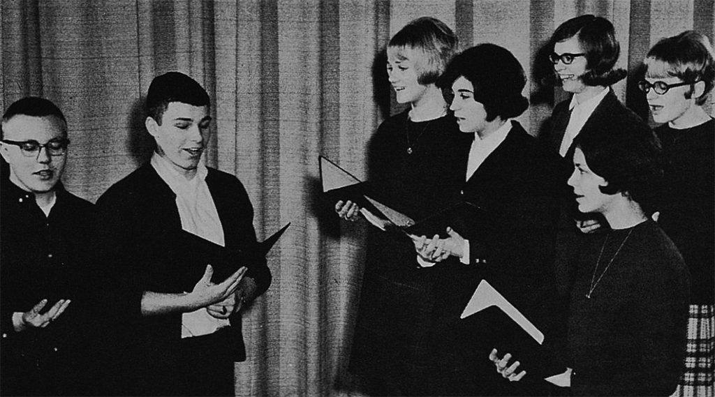 Students from Aurora-Hoyt Lakes High School in Minnesota presented a Readers Theatre workshop at the 1966 National Dramatic Arts Conference.