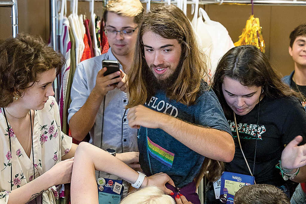 A group of Thespians turn costume ideas into reality in this ITF workshop.