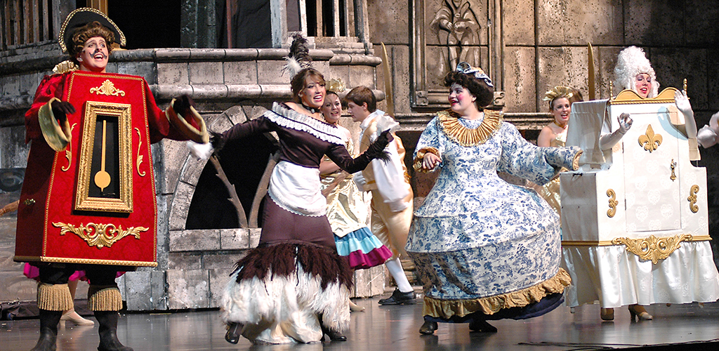 Memorial High School's 2009 production of Beauty and the Beast.
